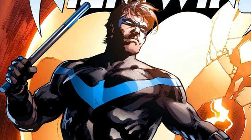 Dick Grayson piensa que el disfraz de Nightwing también es genial